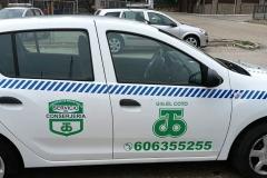 coche conserjes aparcado